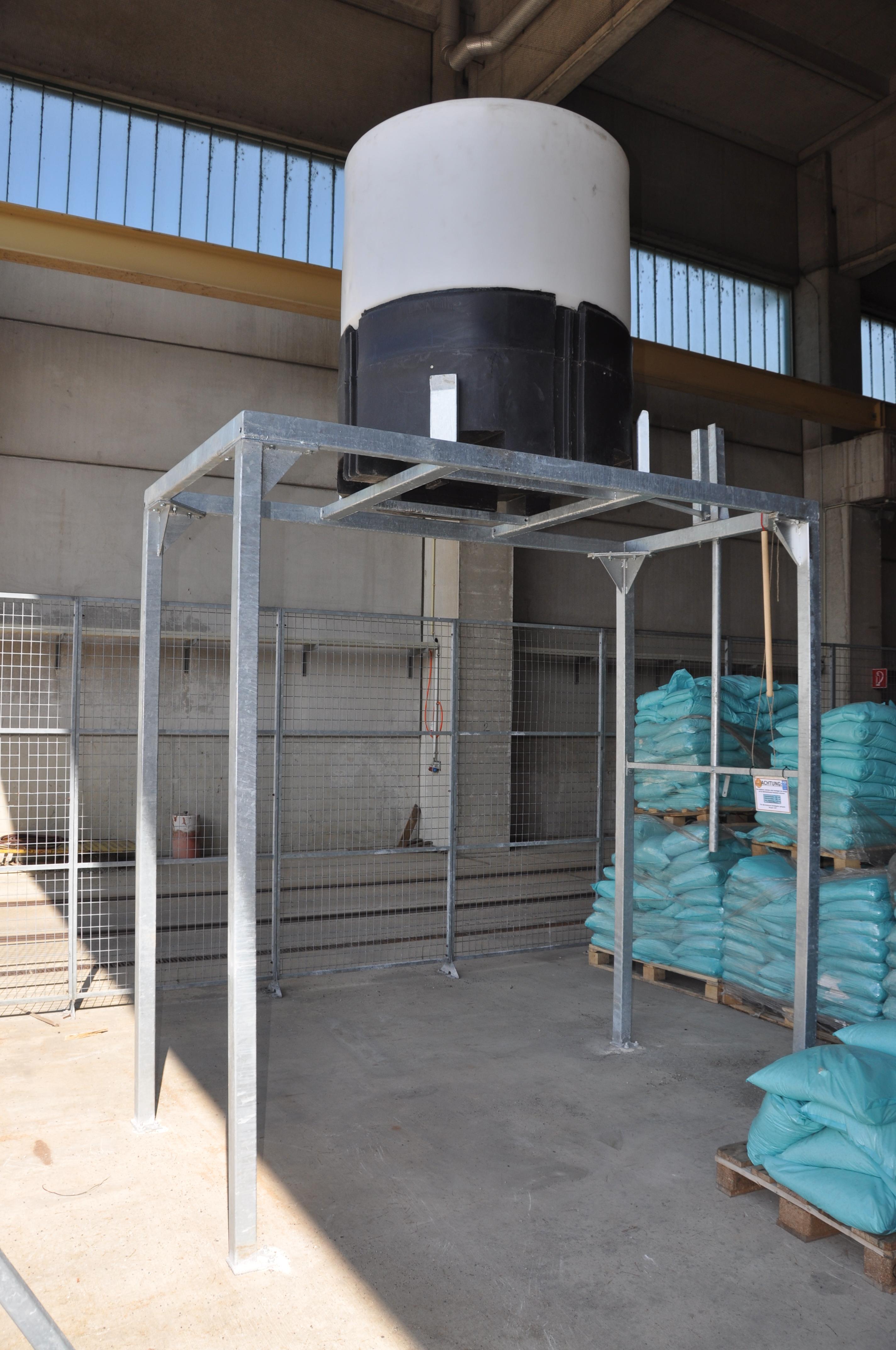 Stahluntergestell in verzinkter Ausführung. Kann für jede Anwendung in jeder Grösse produziert werden.